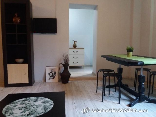 Mieszkanie-Квартира 2 pok.40 m autobus pod domem firmie-pracownikom