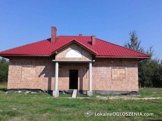 Dom jednorodzinny z użytkowym poddaszem w stanie surowym