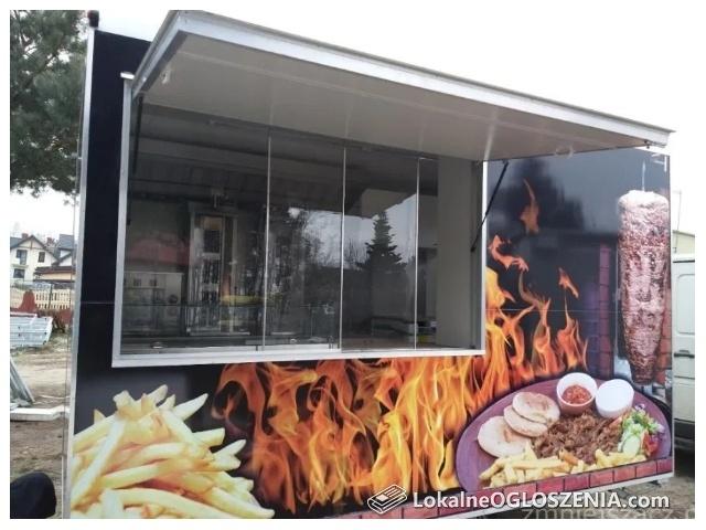 NOWA Całoroczna przyczepa gastronomiczna Kebab wyposażona
