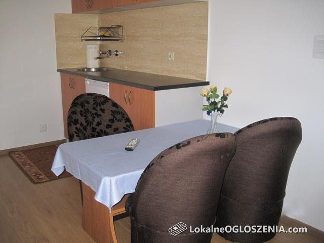 Tanie pokoje do wynajęcia z łazienkami i swoimi aneksami kuchennymi w Karkonoszach
