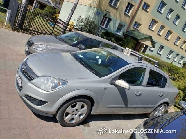 Opel Astra H sedan b+g